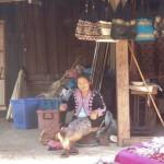 Artisane au village Hmong