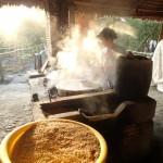 Fabrication de la pâte de riz pour les noodles