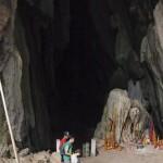 Descente dans la grotte