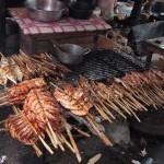 Gambas et poissons grillés