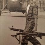 Photo d'un soldat US se préparant au combat