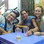 Avec Hoang dans la rue de la bière