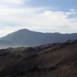 Paysage lunaire autour du volcan
