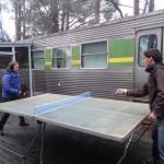 Ping pong sur la terrasse