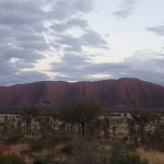 Ayers Rock (Uluru en aborigène) au lever du soleil