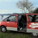 Reveil au bord du lac dans notre petit van avec qui on a voyagé pendant 10 jours