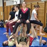 Cours de cirque acrobatique avec notre hôte couchsurfing