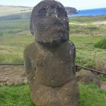 un Moai accroupi