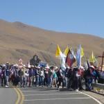 Pélerins en route vers Salta pour la semaine du Miracle