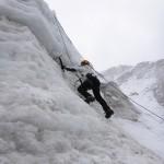 Entrainement aux crampons et au piolet sur le glacier