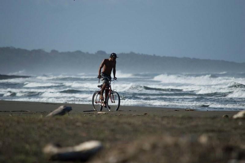 Cycliste sur le sable!